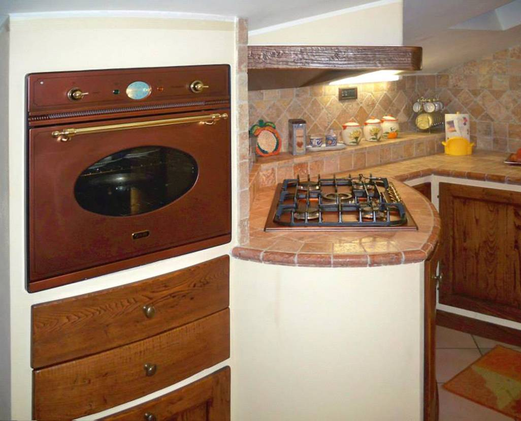 Piani Per Cucine In Muratura cucina in muratura per piccoli spazi - realizzazioni l